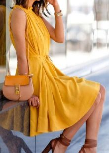 Brown shoes for a mustard dress