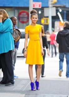 Mustard dress with blue shoes