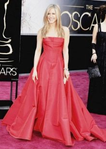 Long dress in crimson floor