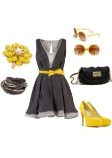 Gray dress in combination with yellow