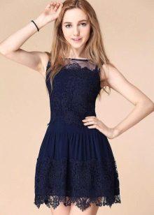 Koyu mavi dantel elbise