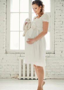 Рокля за майчинство с висока талия