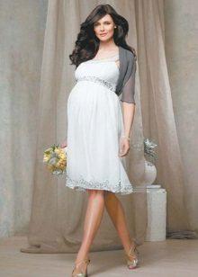 Рокля в стил ампир бяла за бременни жени