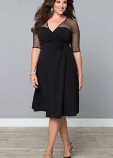 Zwarte jurk voor vol