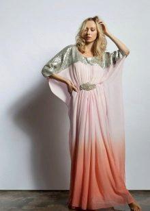 Lange jurk met een vormcorrigerende snit