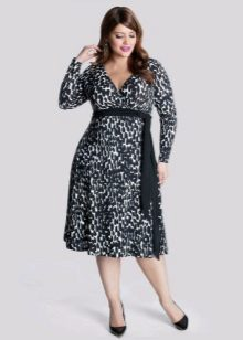 Dress from dense fabric of the correct style the correcting figure