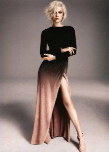 Brun-sort lang kjole