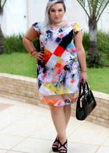 Vesteix amb el patró adequat per a dones altes