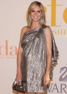 Elegante korte jurk in metallic kleur voor zwangere vrouwen