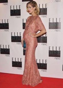Roze feestelijke jurk voor zwangere vrouwen