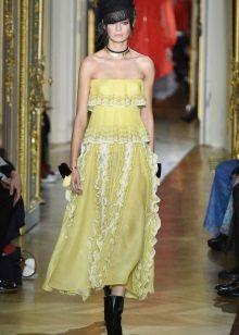 Sárga ruha az Ulyana Sergeenko tavaszától