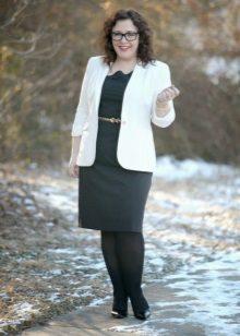 Zwarte dresscase voor het volledige in combinatie met een witte jas