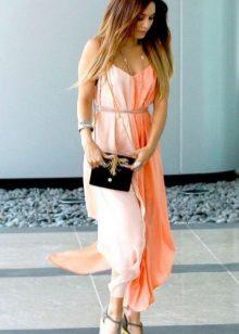 Valkoinen persikka-mekko