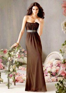 Decorações para um vestido longo cor de chocolate