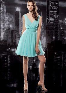 Mint dress for brunettes
