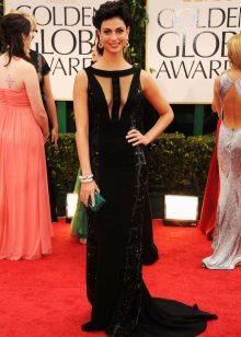 Gaun hitam panjang dengan bahagian atas yang luar biasa