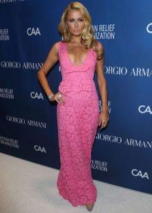 Îmbrăcămintea roz Paris Hilton