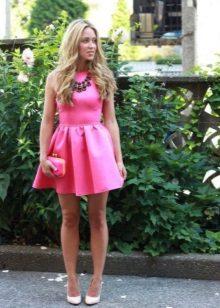 Roz rochie de seara cu colier masiv
