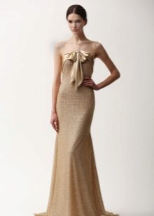 Flesh-colored dress to the floor from Nim Khan