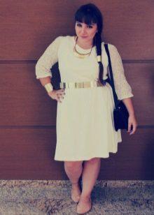 Vestit de punt blanc per a complements i complements