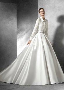 Perkahwinan berpakaian kemeja cantik