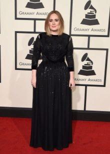 Adele Giveshi ruhában a Grammy 2016-ban