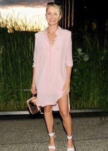 Vaaleanpunainen paita mekko naisille värityypillä Summer