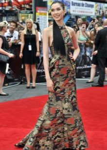 Havuç renginde ekler ile uzun kamuflaj elbise