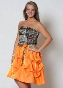Turuncu etekli kamuflaj elbise