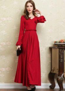 Punainen pellava-mekko