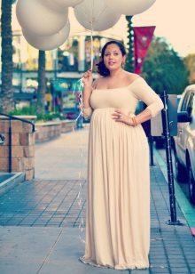 Vestit llarg de color beige per a dones obeses