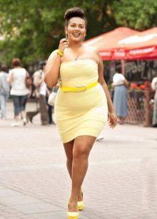 Vestit ajustat groc per a dones obeses