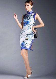 השמלה chipao לבן וכחול
