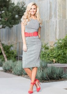 Gray dress with red accessories