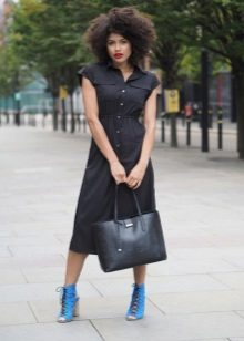 Fitted shirt dress with elastic