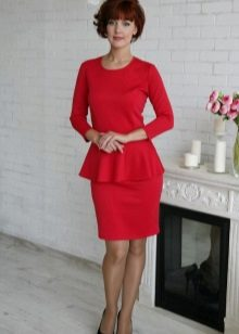 Red dress with basky three-quarter sleeve