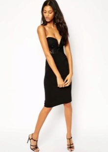 Svart klänning med korsett