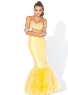 Lång gul klänning med korsett