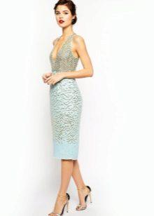 Ljus turkos klänning med midi längd korsett