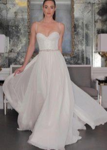 Modig vit klänning med korsett