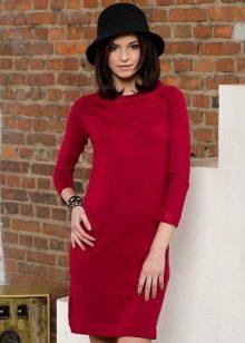 Gebreide rode jurk met raglanmouwen