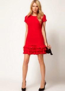 Šaty s volánky na sukni