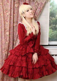 Pakaian merah dengan banyak pakaian di skirt