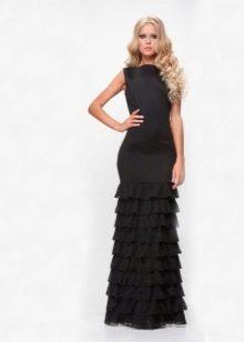 Gaun malam yang panjang dengan ruffles kecil di atas skirt