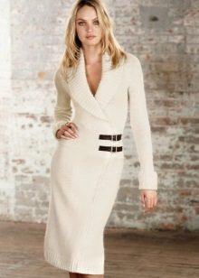 Rochie tricotata cu miros de lungime medie
