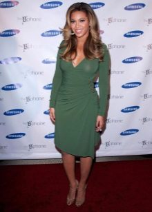 Rochie verde medie lungă