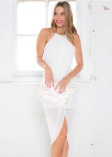Rochie albă cu miros de gura americană