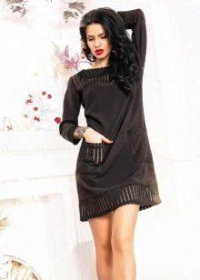 Vestido de manga comprida preta de uma linha