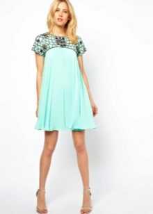 Trapeze dress with short sleeves