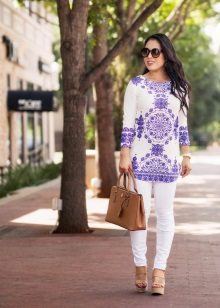 Dress tunic with sandals